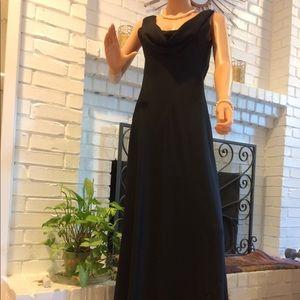 Nightway Stunning Evening Dress - Black - Size 12